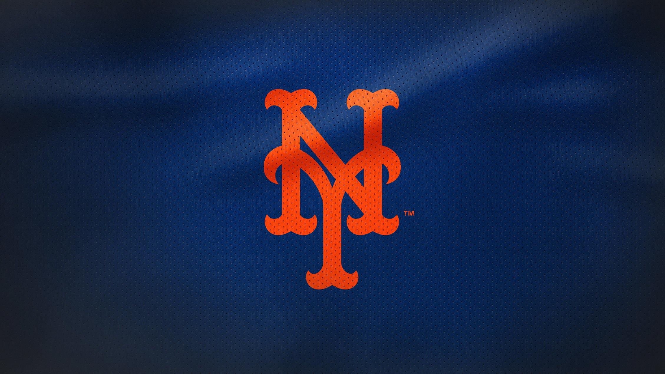 Rivalmöten - Om vi bortser från det faktum att alla klubbar alltid vill besegra Yankees så är lagets största rivaler Boston Red Sox, Toronto Blue Jays och även New York Mets. Mötena mellan Yankees och Mets går ofta hett till då det är citylaget Yankees mot förorternas Mets.