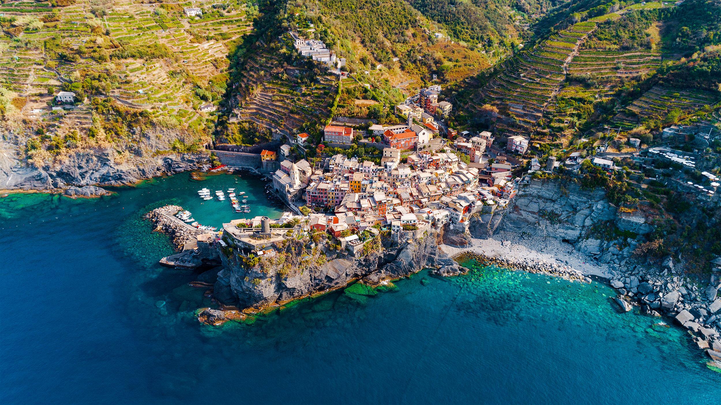 Medelhavet - Ta del av de hänförande kusterna längs Medelhavet med Azamara Journeys många rutter. Hitta den som passar dig bäst!
