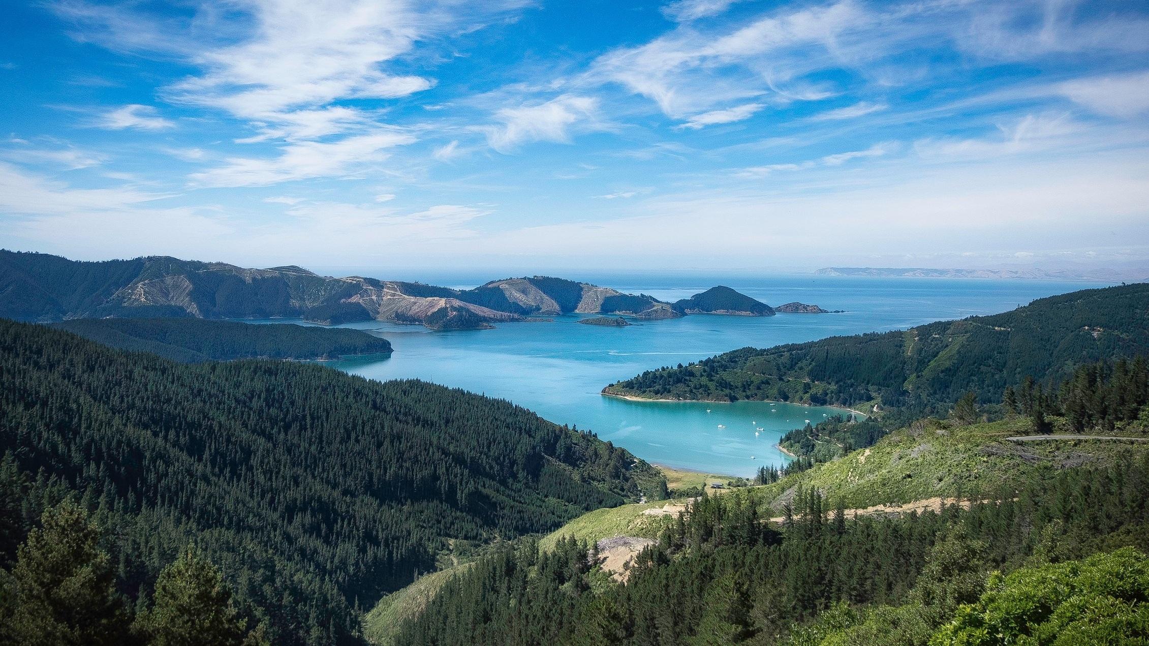 Australien & Nya Zeeland - Från den mäktiga naturen på Nya Zeeland till den vilda buschen i Australien. Här får du det bästa av två världar.