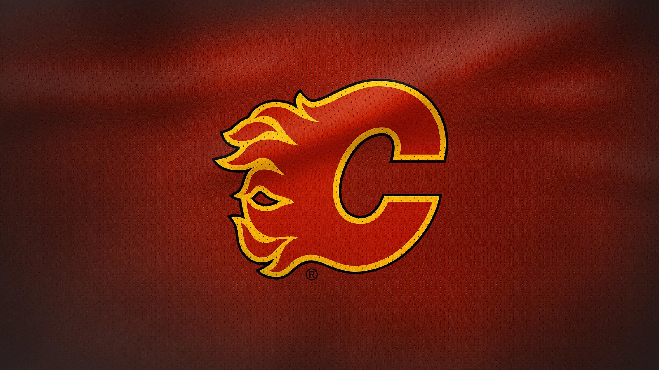 Rivalmöten - Vancouver Canucks största rivalitet är till en annan klubb belägen i Kanada - nämligen Calgary Flames. De båda klubbarna har tillhört samma division, Pacific, och mötts i heta drabbningar sedan säsongen 1981/1982. Klubbarna har mötts i slutspelssammanhang vid sju tilfällen och det är klar fördel Calgary i den statistiken.