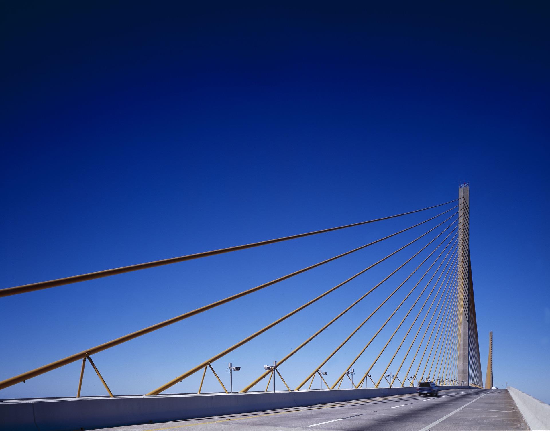 bridge-1639547_1920.jpg