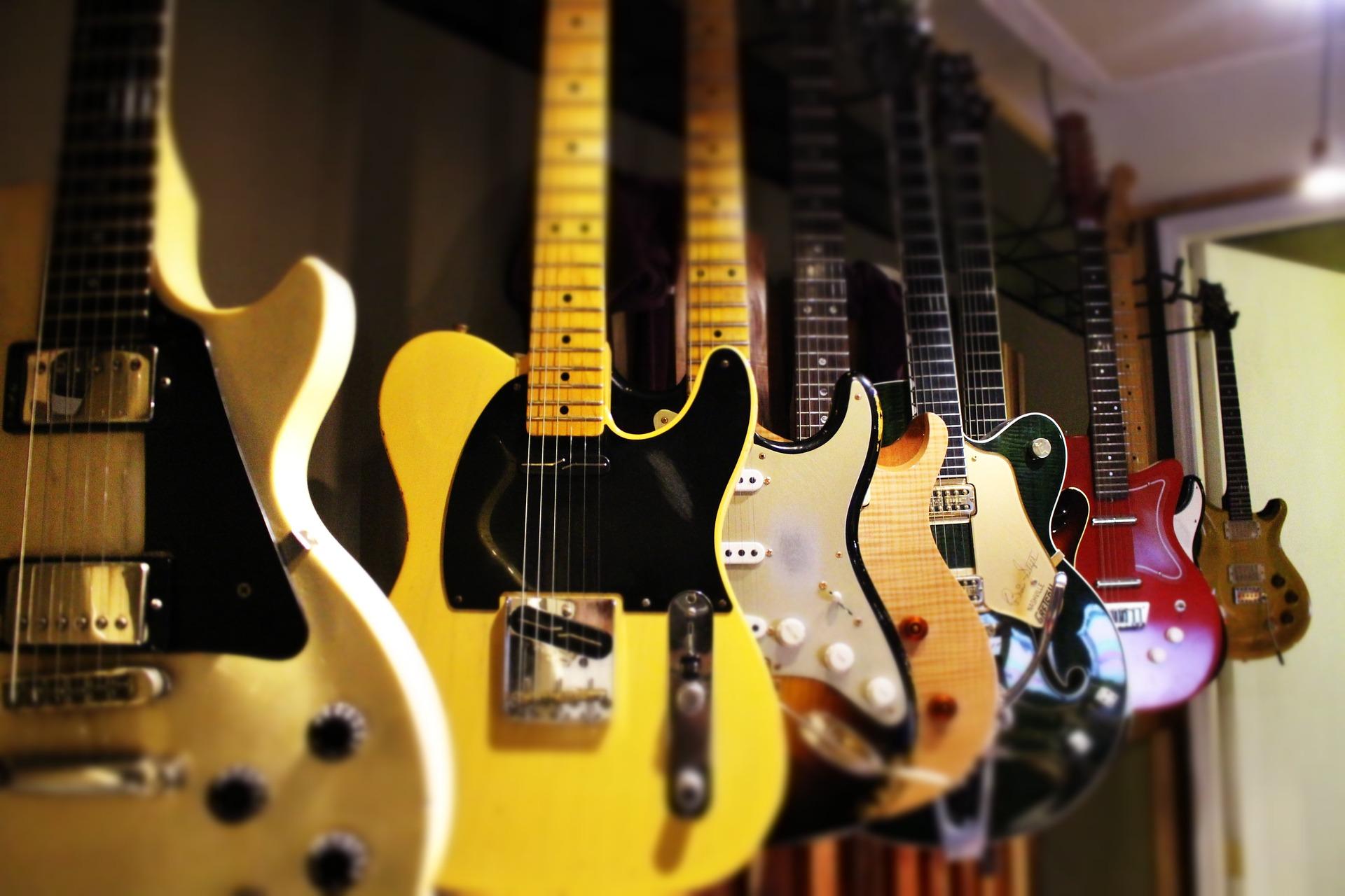 guitars-1506718_1920.jpg