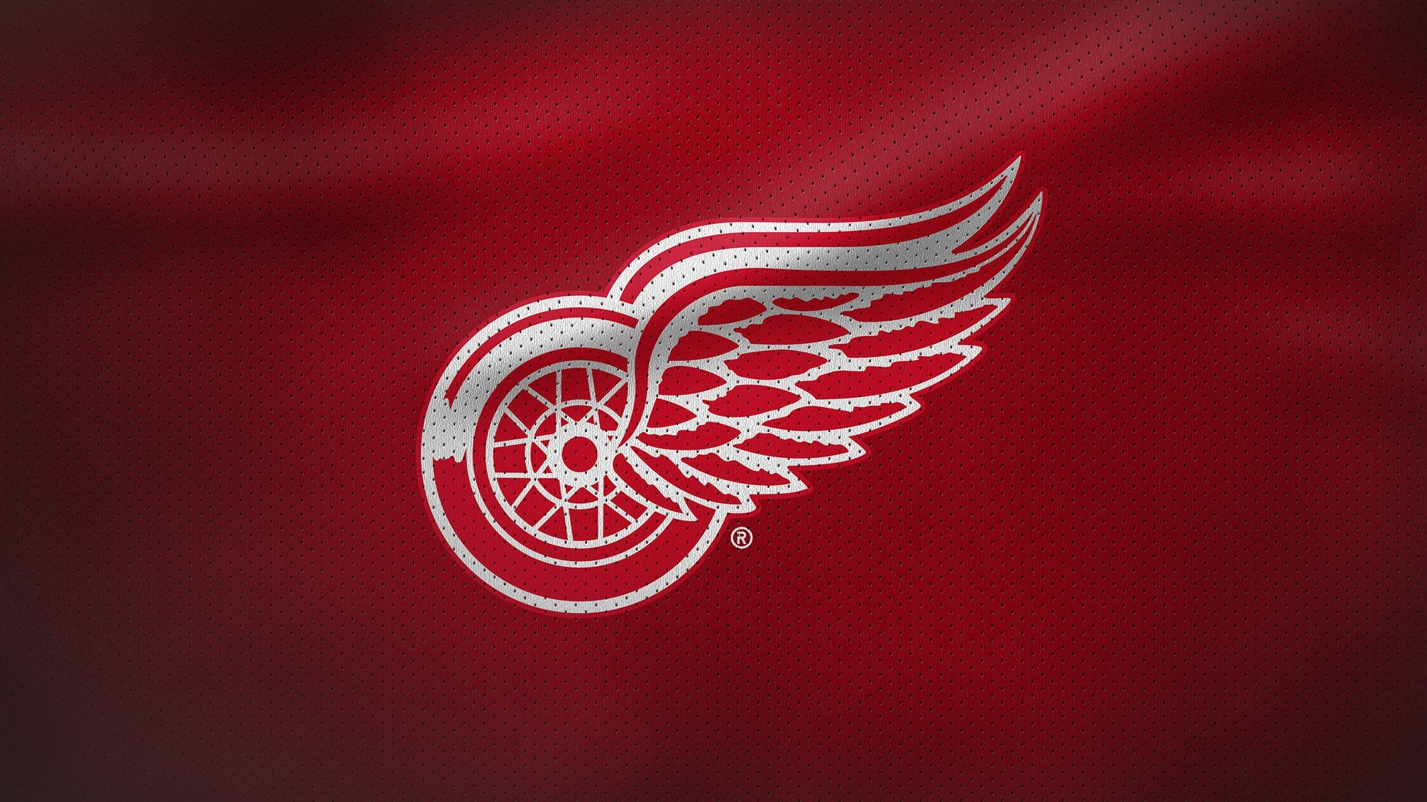Rivalmöten - På vägen till Colorados första Stanley Cup-vinst 1996 slog man ut Detroit Red Wings i konferensfinalen. I det ögonblicket startade en grinig, lång och stark rivalitet mellan lagen som åren därpå eskalerade ordentligt. Mötena mellan lagen är inte lika tuffa längre, men fortfarande ett av ligans hetaste.