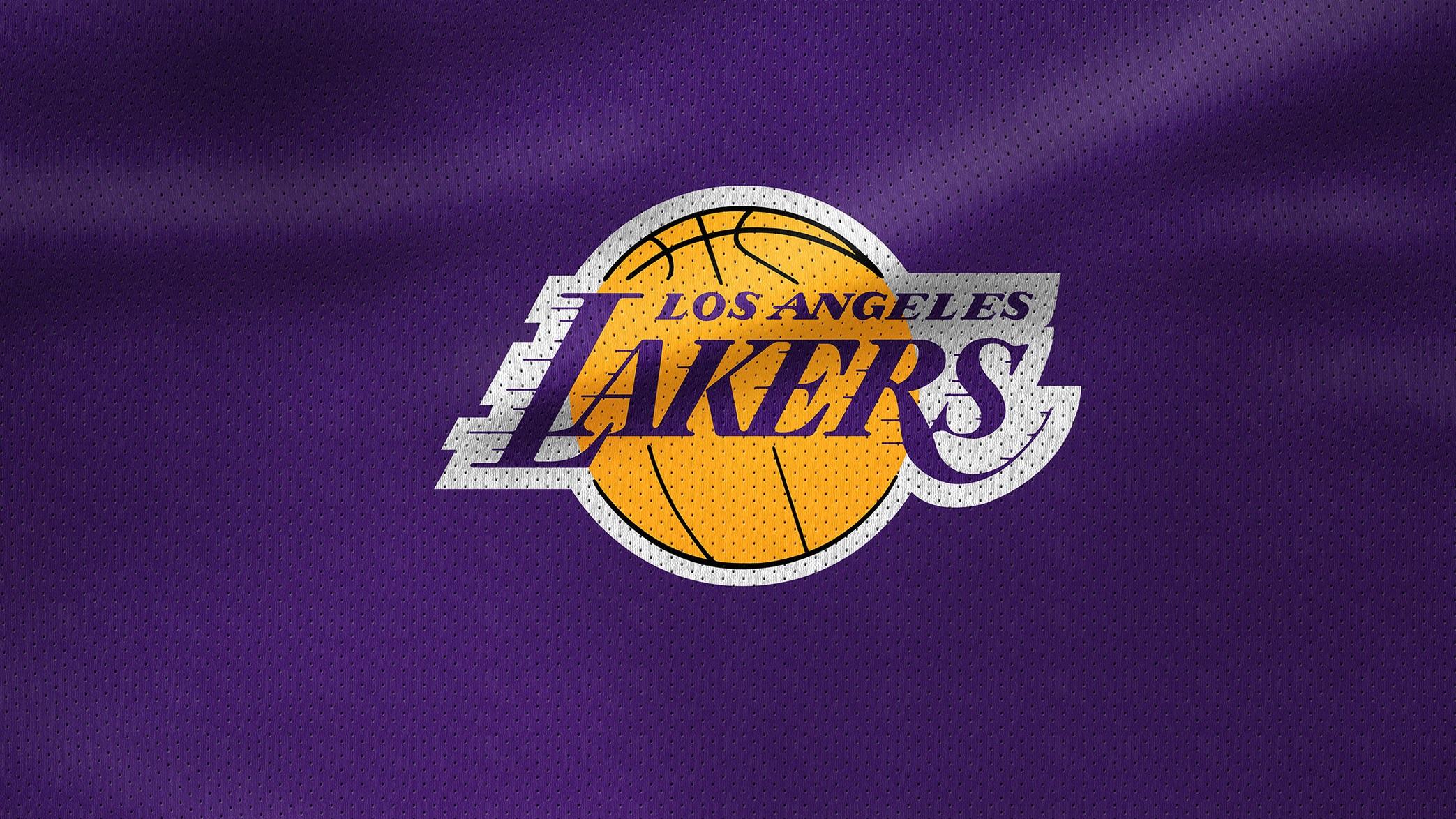 Rivalmöten - Till skillnad från Lakers har inte Clippers gått långt i slutspelet, och slutspelsfighter är ofta det som formar långlivade rivaliteter. Utöver Lakers är även Denver Nuggets och Phoenix Suns nuvarande stora rivaler. Ett möte som har potential att bli något stort framöver är det med Oklahoma City Thunder.