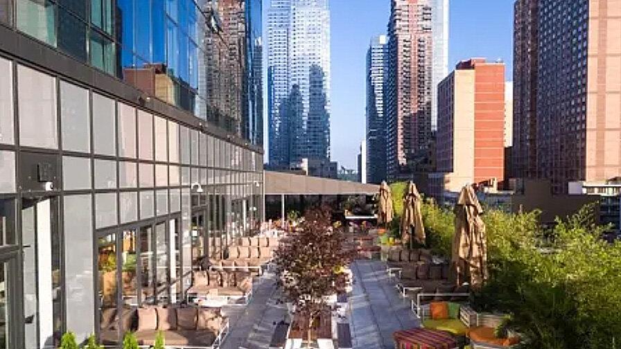 BOENDE Hilton Garden Inn Manhattan-Chelsea - Hilton Garden Inn New York/Manhattan-Chelsea är fantastiskt beläget centralt på Manhattan med gångavstånd till flera sevärdheter såsom Time Square och Madison Square Garden. Det här är ett populärt hotell med mycket trevlig och serviceinriktad personal.