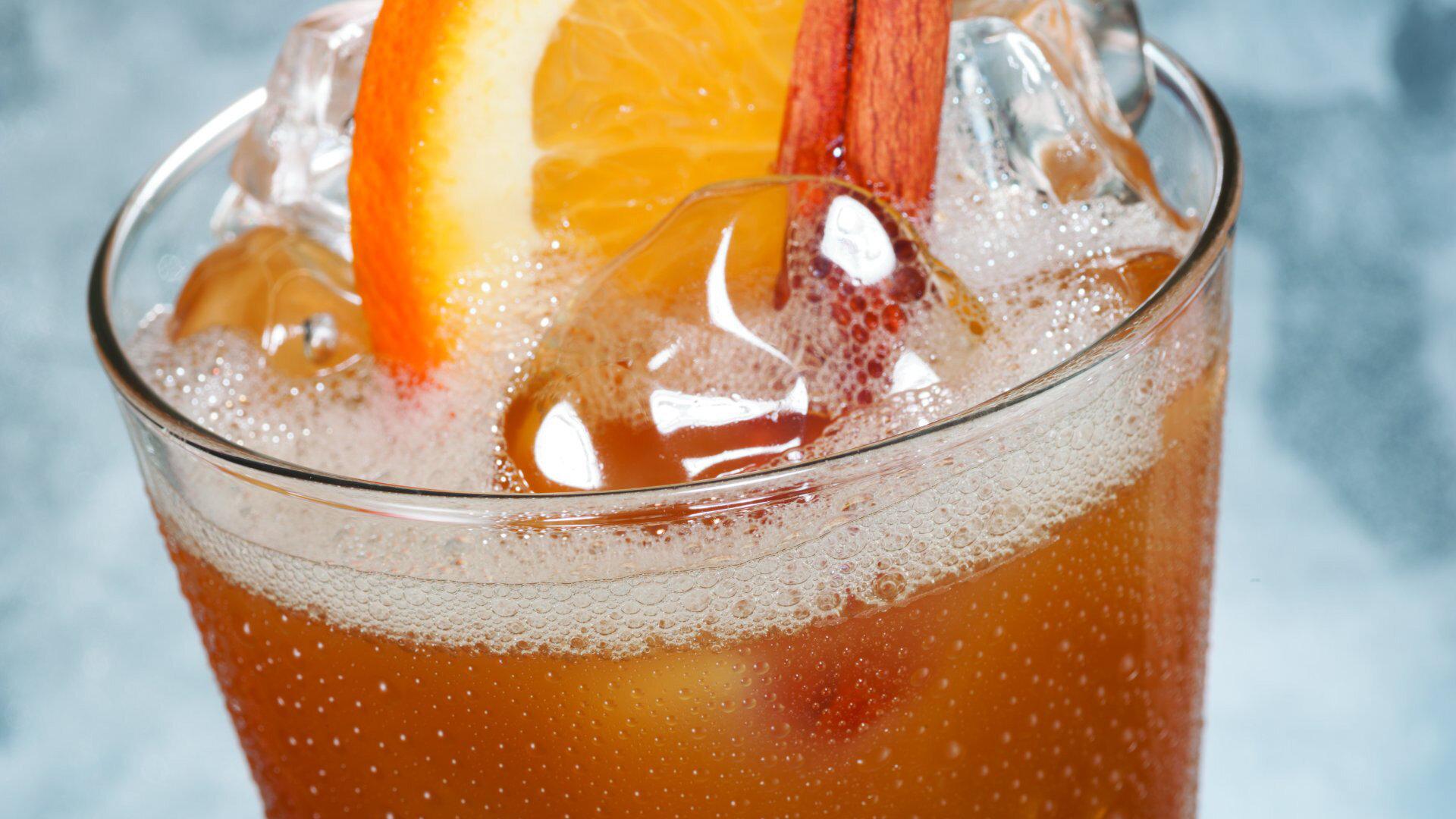 Premium dryckespaket - Dryckespaketet innehåller ett stort utbud av alkoholhaltiga och alkoholfria drycker. Öl, vin, drinkar, mineralvatten, juicer i alla barer och restauranger under hela kryssningen.
