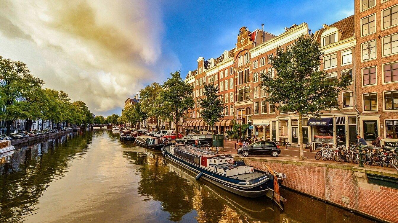 Kryssning från Amsterdam - Från Amsterdam finns flera fina kryssningar. Sök din kryssning från Amsterdam