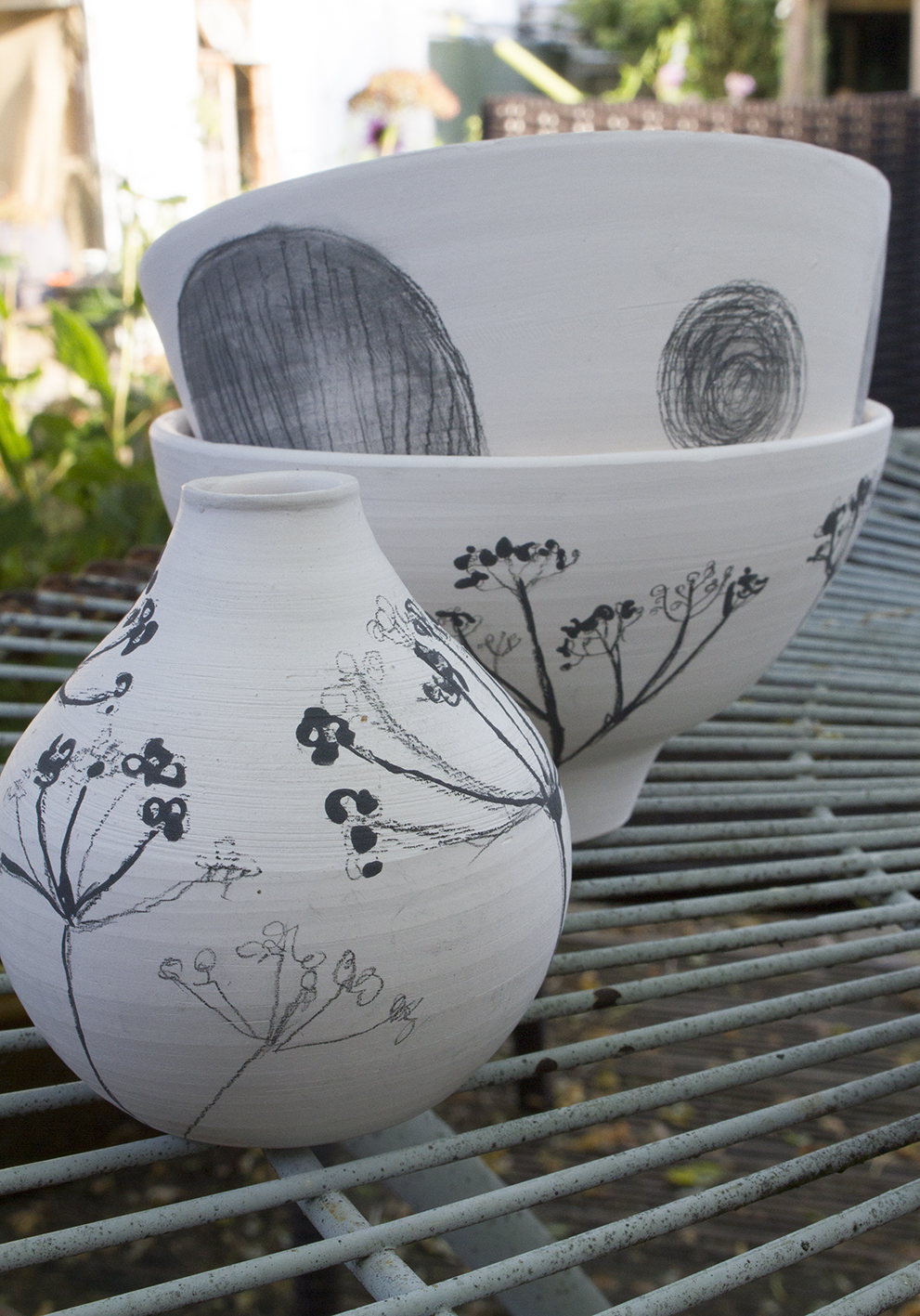 Biscuit-fired pots
