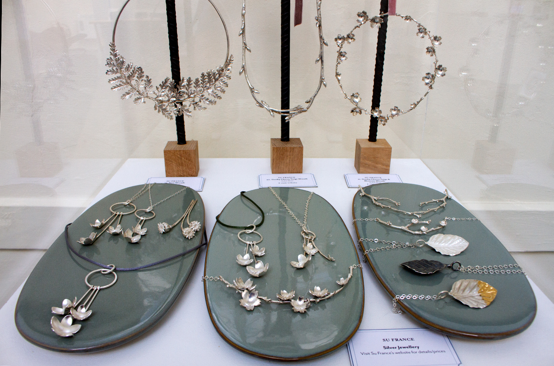 Su France - Silver Jewellery display