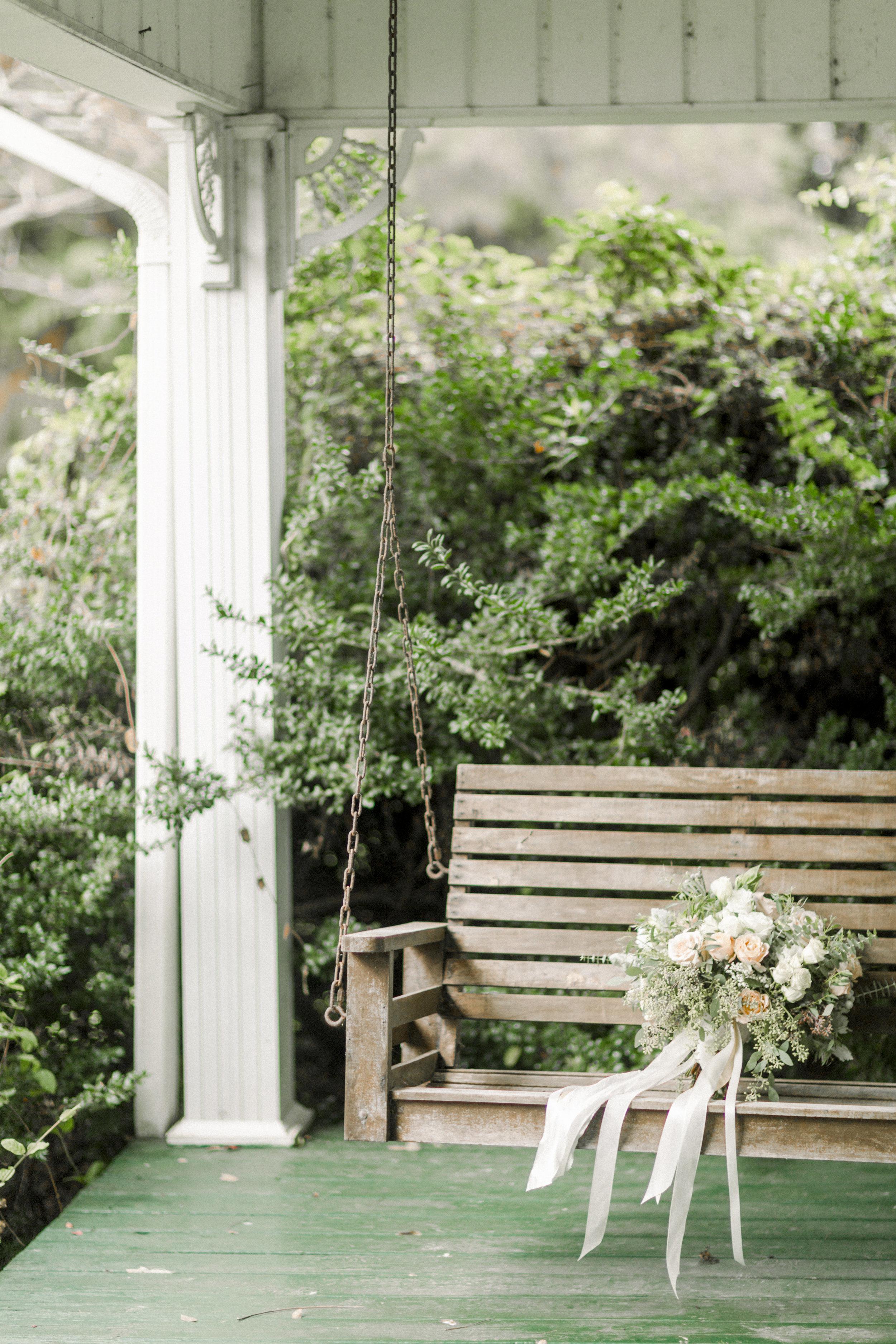 Sidney Leigh Photography - COMING SOON: Caitlin & Taylor's Glasgow Farm Wedding