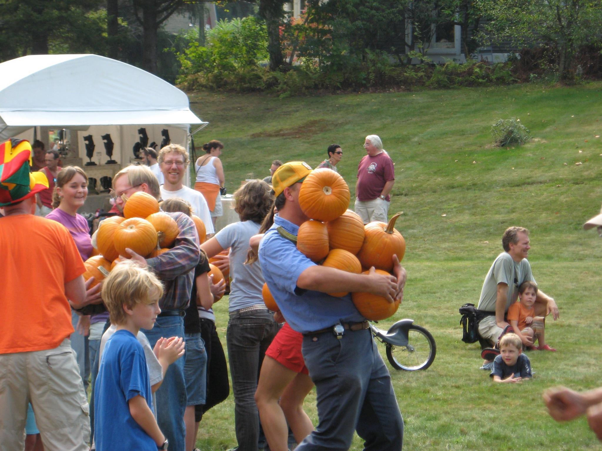 pumpkins_carrying.jpg