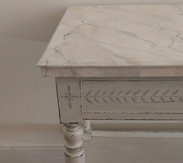Celia Minoprio: Marble Paint effect table
