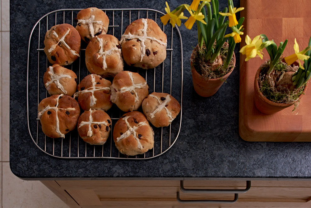 Figura Island with homemade Hot Cross Buns