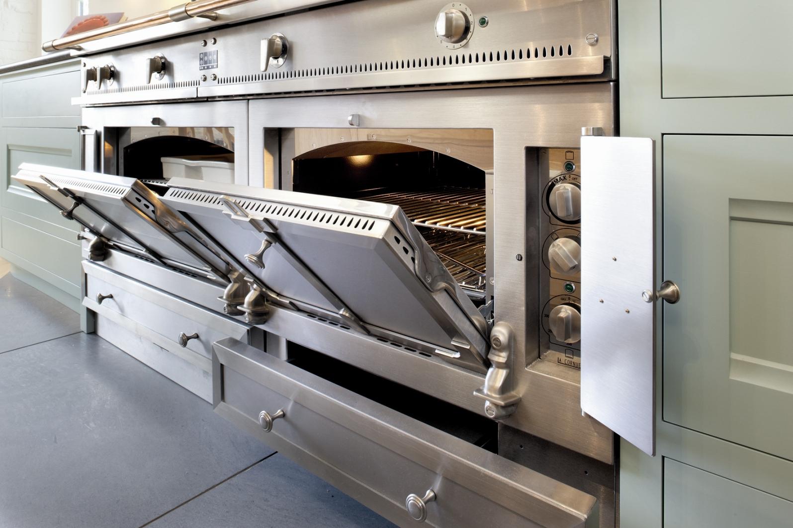 la cornue vaulted oven.jpg