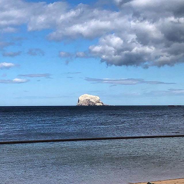 #northberwick looking beautiful today. Staring out on the #bassrock.  The island plays host to more than 150,000 gannets and is the world's largest colony of Northern gannets.