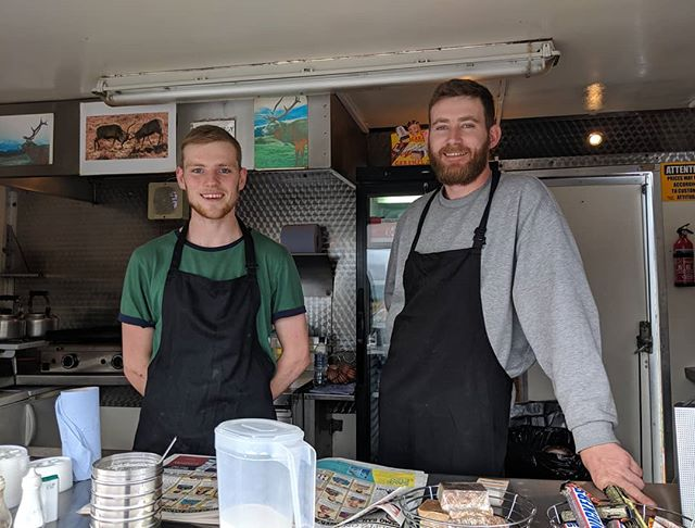 Top 2 lads in the Highlands, brothers Dave & Sandy who run Oasis, the great wee food stand on the way to Glencoe.  Always have interesting facts about the area and do a great bacon butty 👍  #highlands #highlandprivatetours #highlandfood