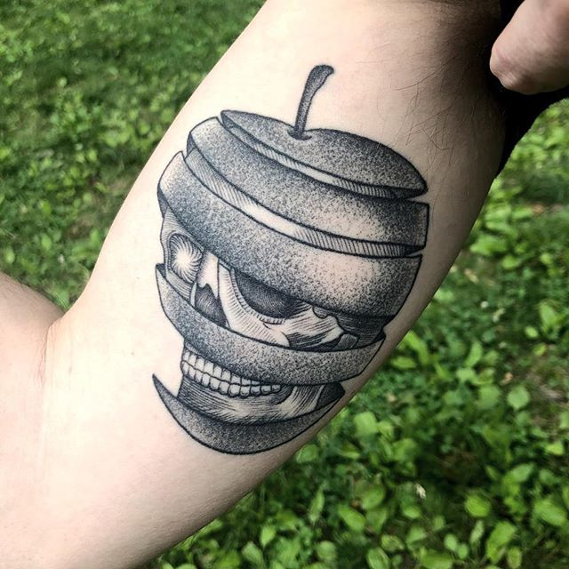 🍏💀 healed on Pete! • dukkhatattoo@gmail.com