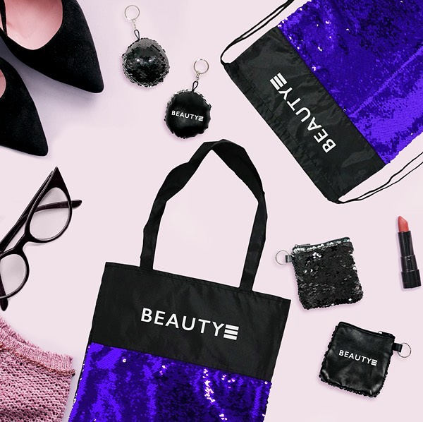 Add some glam to that brand. That's right, sequin promotional products have arrived with our new collection. It's a great way to glam up the traditional #tradeshow #tote or #drawstringbackpack. After all, half the reason you purchase #promoitems is to get noticed. And a sure way to do so is by showing off some #bling See whole collection: http://bit.ly/2NvzCAh