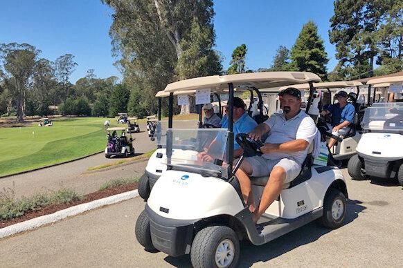 2031_group_golf2019.jpg