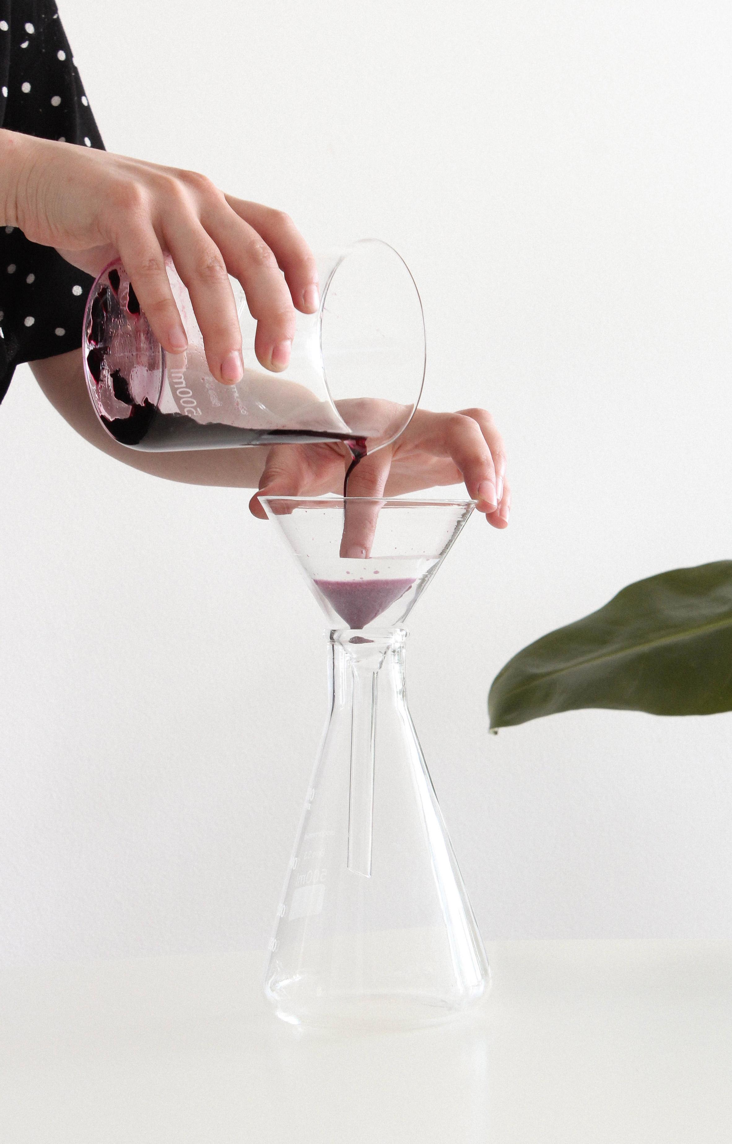 Margarita Talep process to create a bioplastic made from algae