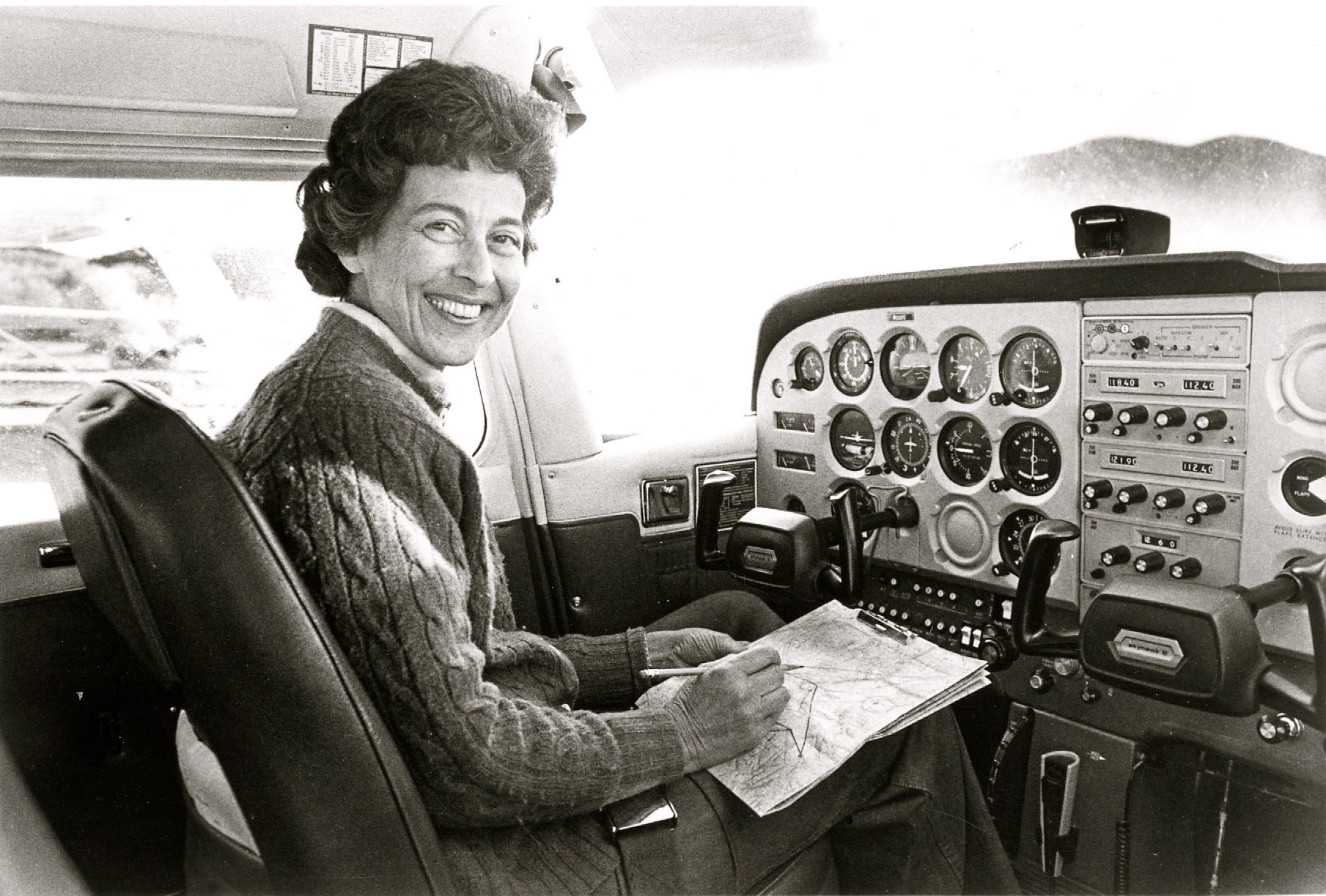 Betty+Flying-22+2.jpg