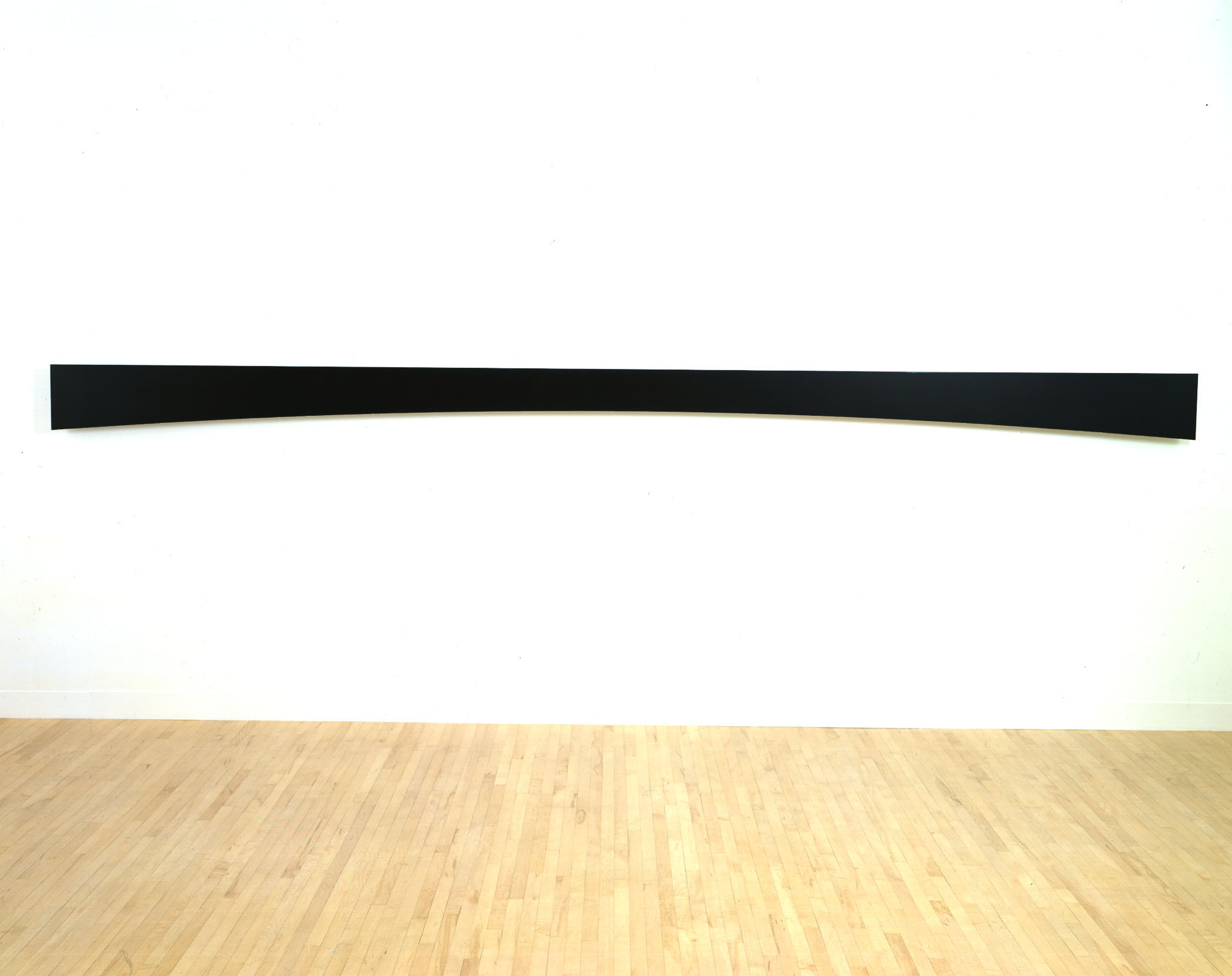 Ellsworth Kelly Horizontal Curve 1996 (EK868) Bronze (patina black)  14 x 240 x 1.25 inches      View More Ellsworth Kelly