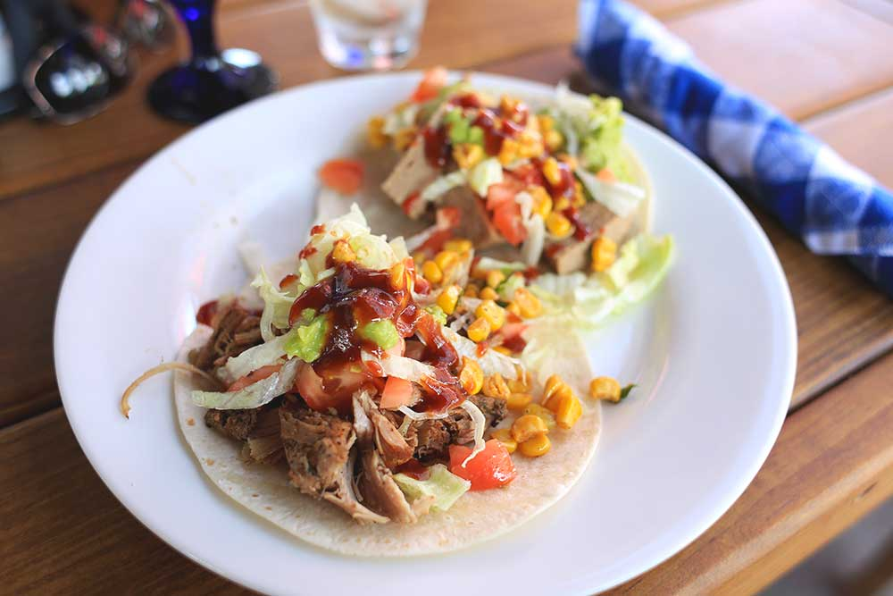 The taco station at Arizonas is where dreams come true. If you dream of meat, that is.