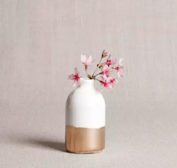 WhiteGold Bud Vase.PNG