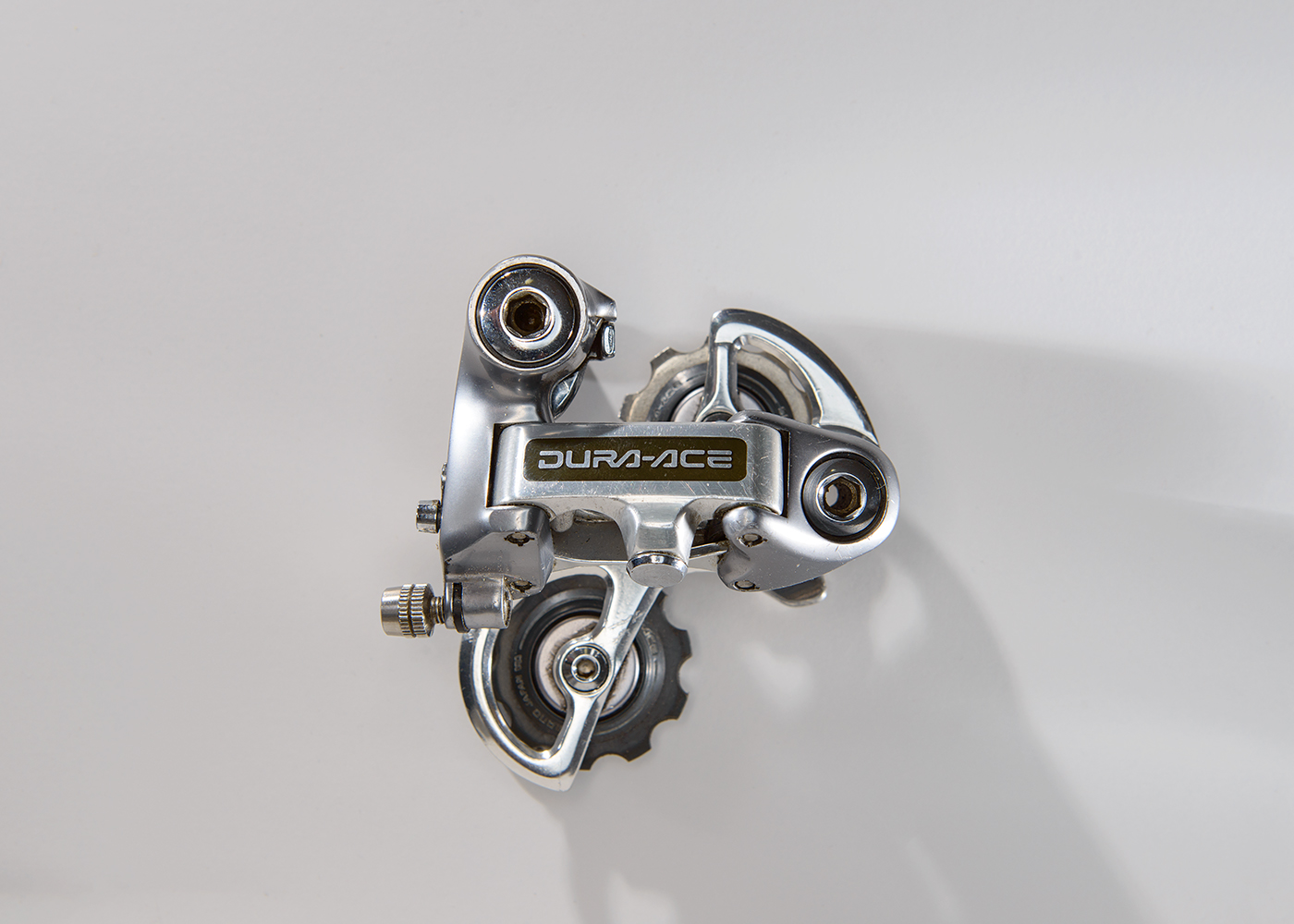 Shimano Dura-Ace 7400  It was introduced in 1985 and was one of the best derailleurs of it's era.