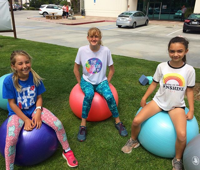 Our girls ❤️ the exercise balls! They are a perfect way to get us moving without even realizing we are exercising.😙 • • #girlsquad #fitnessisfun #socalrunner #family fun #familyfitness #fitnessmom #fitnessdad #kidsfitness #exerciseball #creativeactivity #uniquefitness #kidsfitnessgames #middleschoolgirls #sandiegolocal #sandiegolove #lajollafamily #lajollafitness @roadrunnersports @acefitness @fitbit