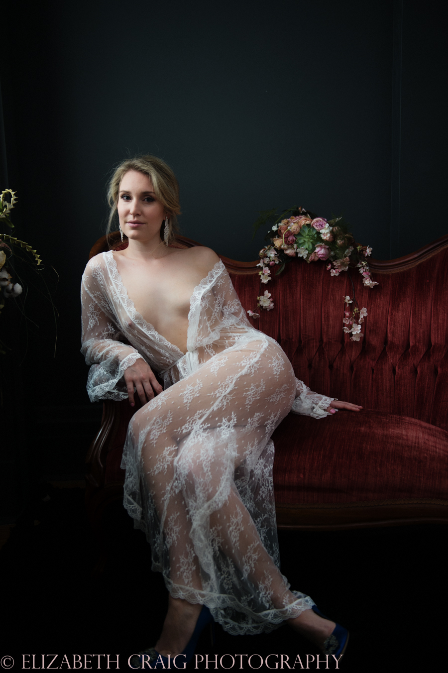 Romantic Bridal Boudoir Photos | Elizabeth Craig Photography-1
