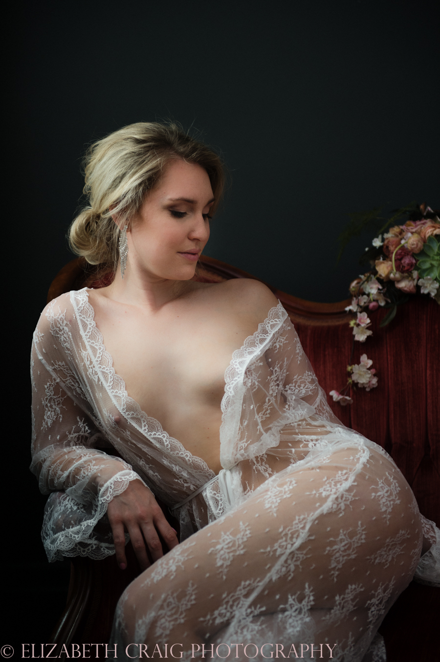 Romantic Bridal Boudoir Photos | Elizabeth Craig Photography-2