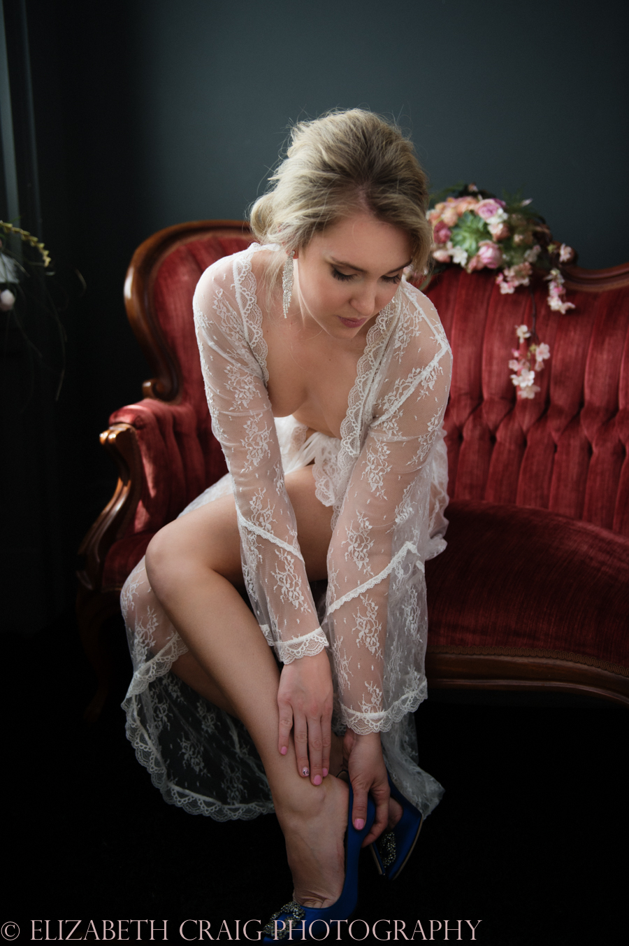 Romantic Bridal Boudoir Photos | Elizabeth Craig Photography-4