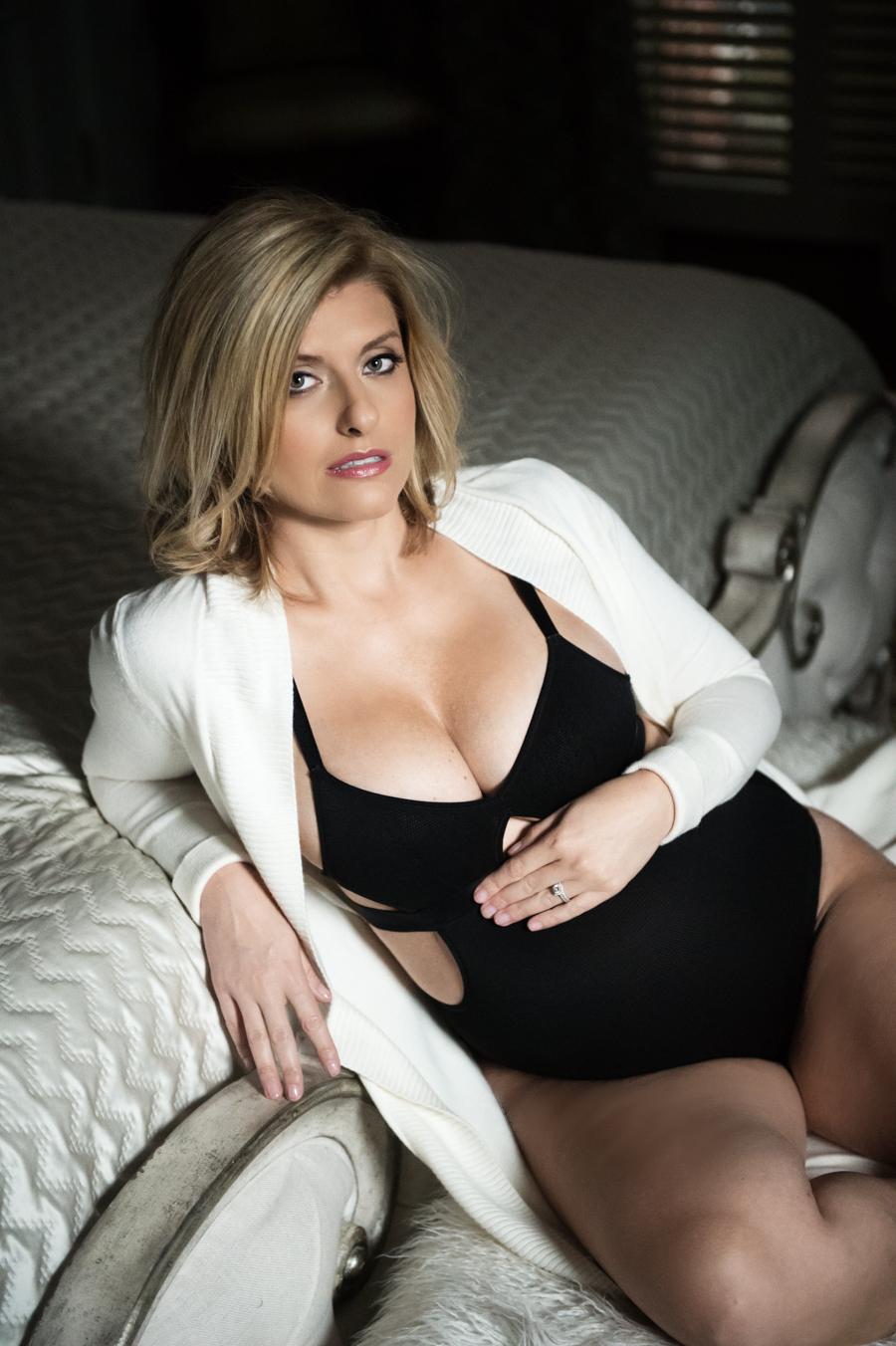 Philadelphia Maternity Boudoir Photographer   Elizabeth Craig Photography-3