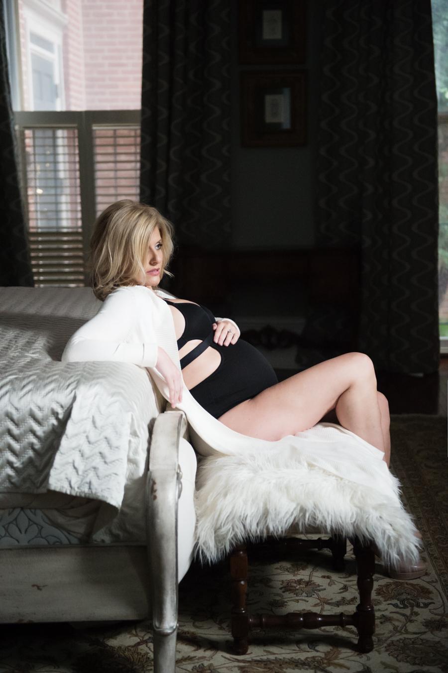 Philadelphia Maternity Boudoir Photographer   Elizabeth Craig Photography-5