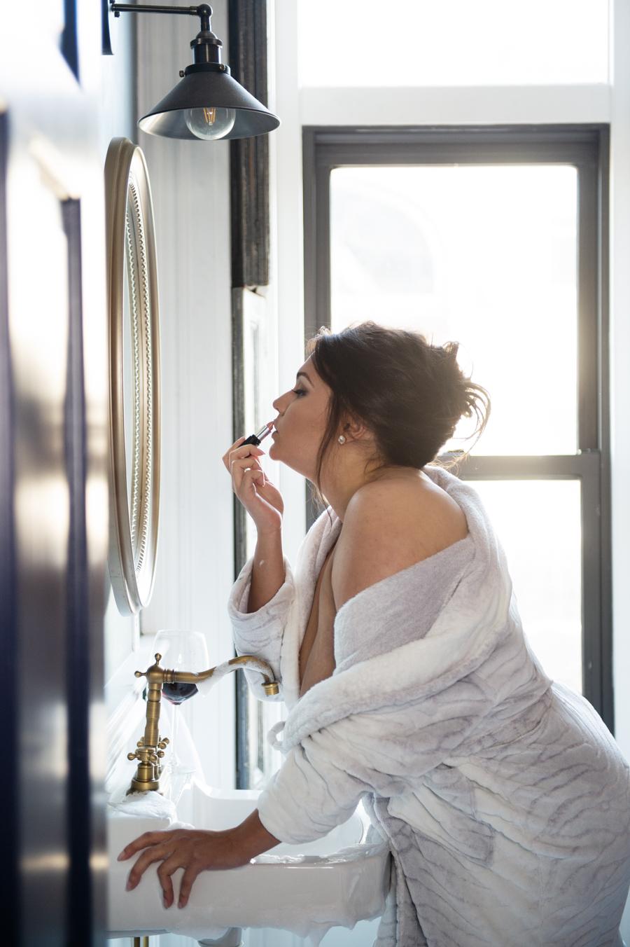 Loving Your Beautiful Curves   Elizabeth Craig Photography-7