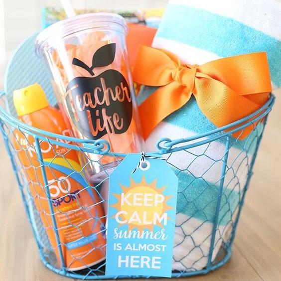beach gift basket.jpg