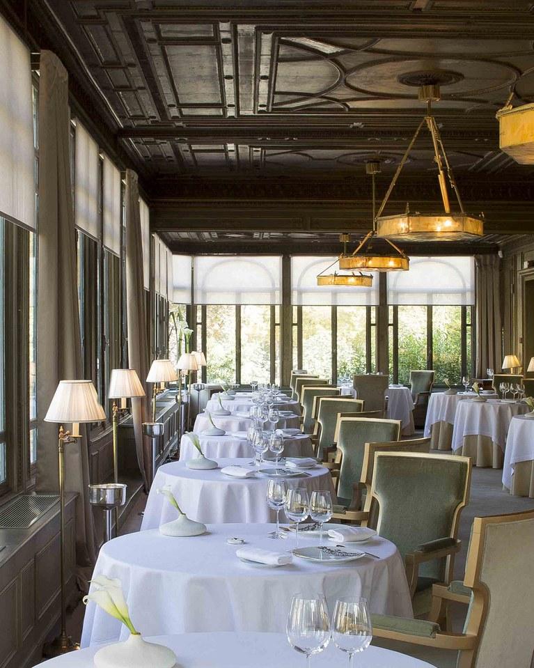 DiningRoom2-Alleno-Paris-Pavillon-Ledoyen-Paris-CRRestaurant.jpg