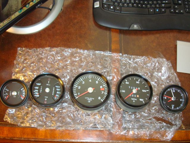 72-Barn-seats-and-gauges03.jpg