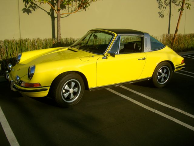 1972-Barn-Yellow-Finish02.jpg