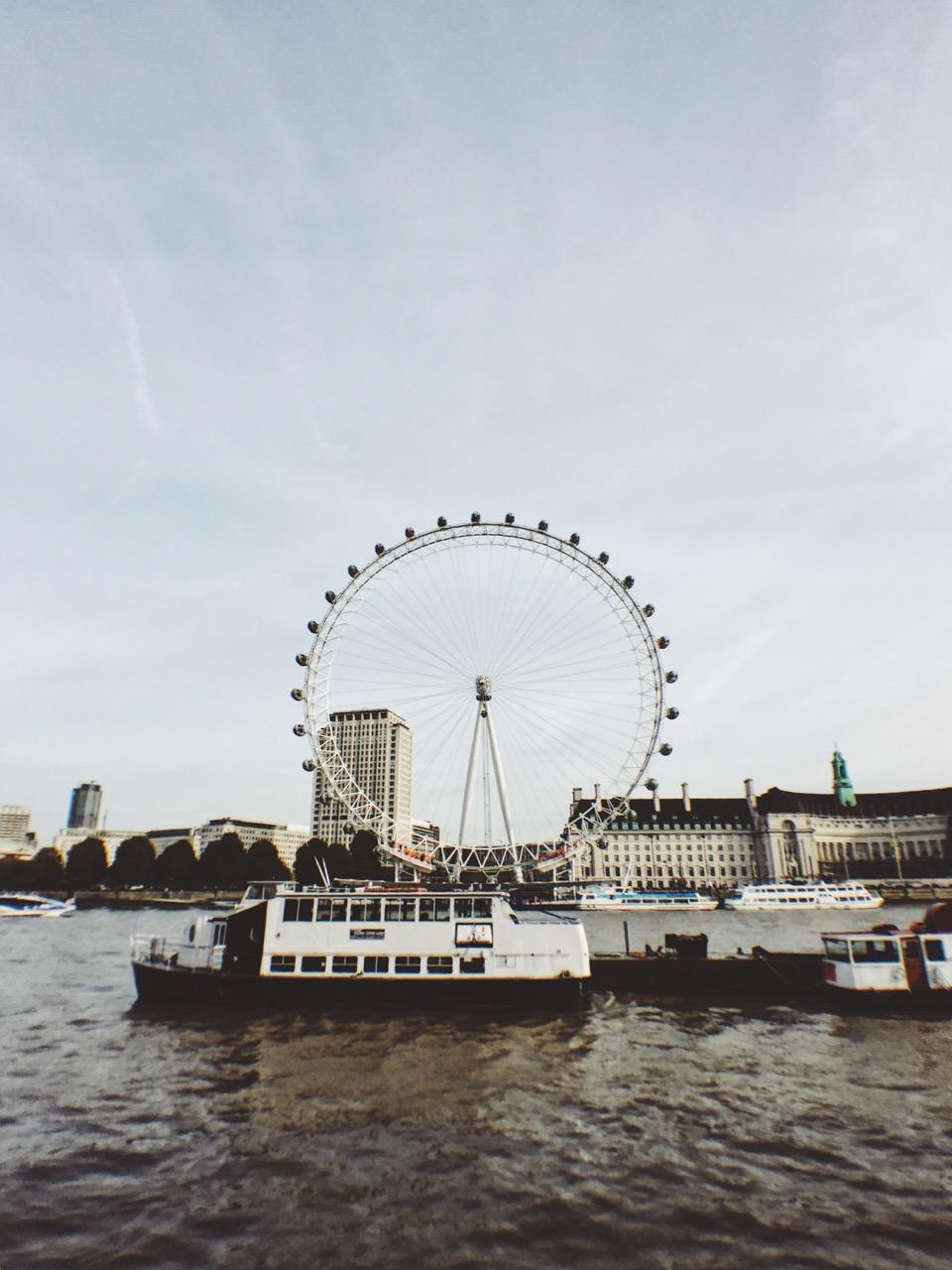 London-on-foot-Lorraine-Yeung-21.jpg