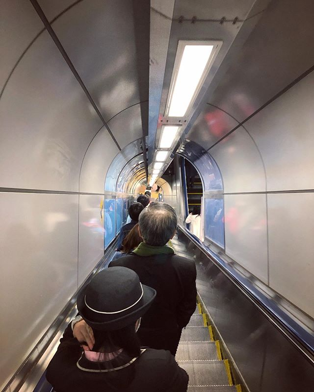 The steepest escalator we've been on! 🙀 . . Follow Okonominoms for tips on travelling to Japan, the language and customs ✨ #traveljapan #traveltips #instadaily #travel #travelblogger #travelphotography #travelblog #travelgram #japan_of_insta #japantrip #tokyo #tokyotravel #東京 #visitjapanau #visitjapanjp #桜 #上野 #japanesetrain #japanesetrains #japandaily #escalator #trainstation