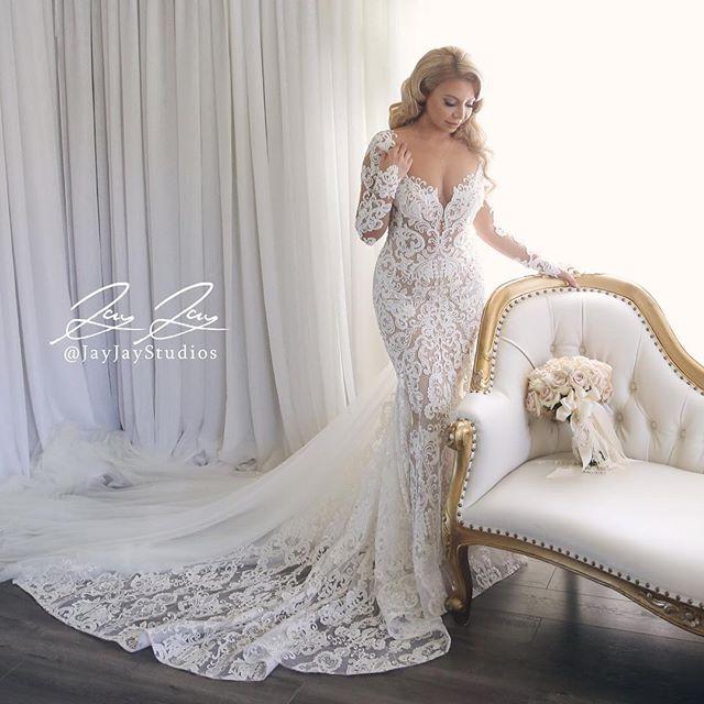 She's ready.  #fridaywedding #jayjaystudios @petalsla @ericfilm