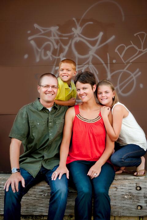 KIDS + FAMILY >