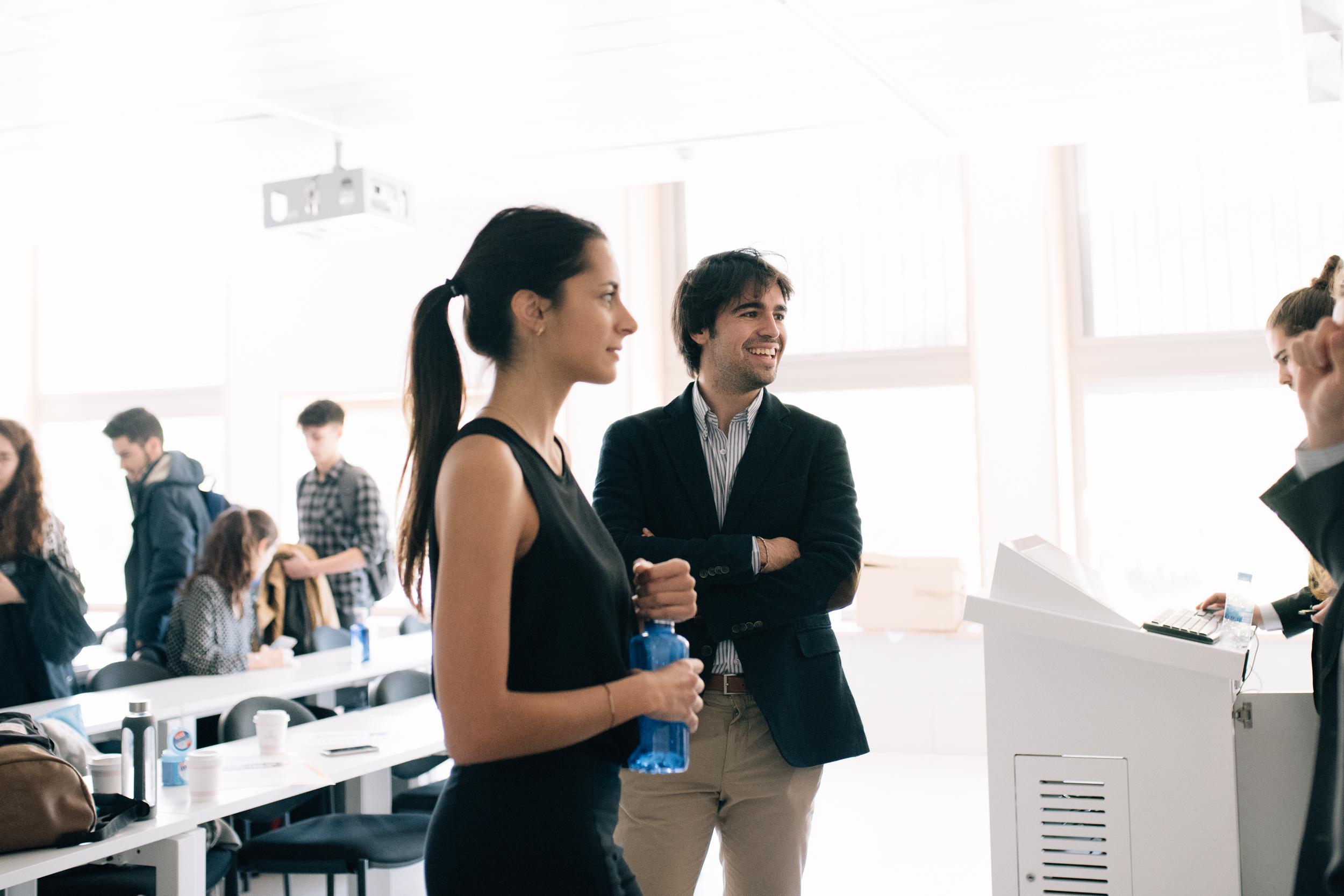 ¡Únete a nuestra comunidad! - Si eres estudiante de nuestra universidad y la consultoría es lo tuyo o, simplemente, quieres saber más acerca de ella, ¡cumples todos los requisitos para formar parte de esta asociación!Convertirte en miembro te permitirá:Conocer a otros estudiantes con tus mismas inquietudes con los que compartir experiencias y conocimientos sobre la consultoría.Mantenerte informado de todas las oportunidades que ofrece el sector.Acceder a los recursos de case interviews de la asociación.Acceso preferente e información de primera mano sobre los eventos con empresas.Disfrutar de la vida universitaria que existe más allá de las aulas asistiendo a nuestros eventos de team building.Todos los miembros contribuyen con una cuota anual de 10€ destinada al mantenimiento y organización de las actividades de la asociación.