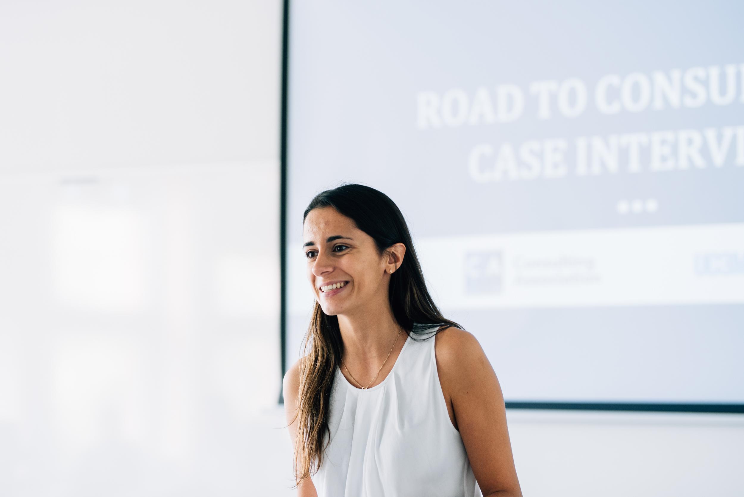 Visión - Contribuir a que la UC3M se convierta en un referente de relevancia profesional y académica para las empresas del sector.