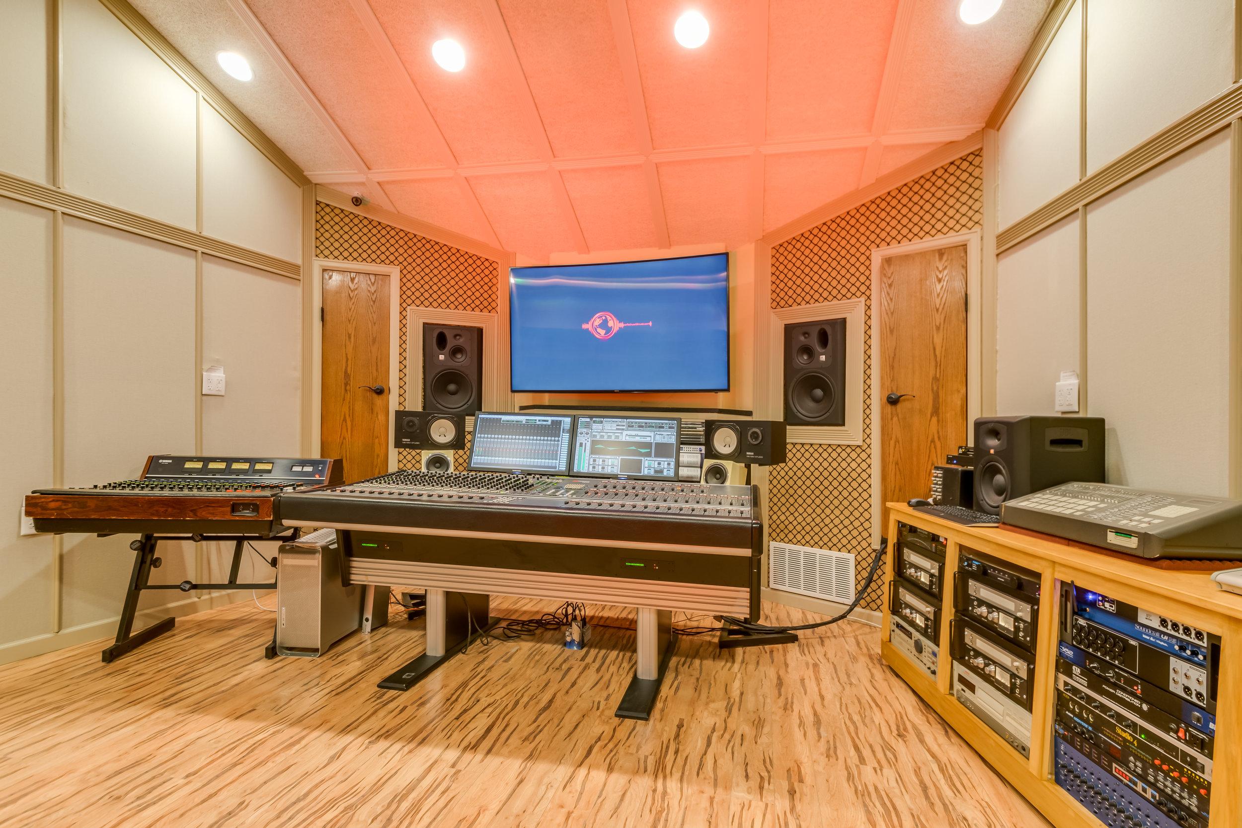 Lucero Studio-63.jpg