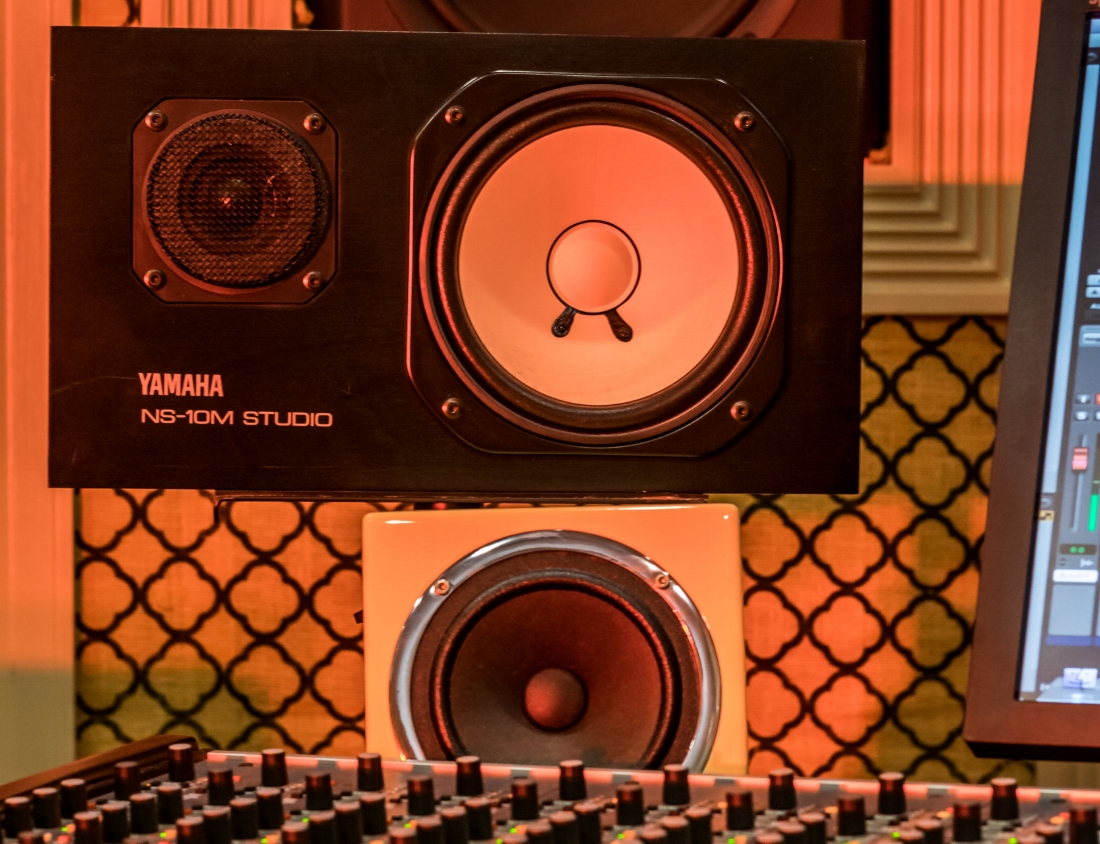 "MONITORS - Avantone Mix CubeYamaha NS 10MKRK 8""JBL LSR6332JBL LSR6328JBL LSR6328 sub with room calibration"