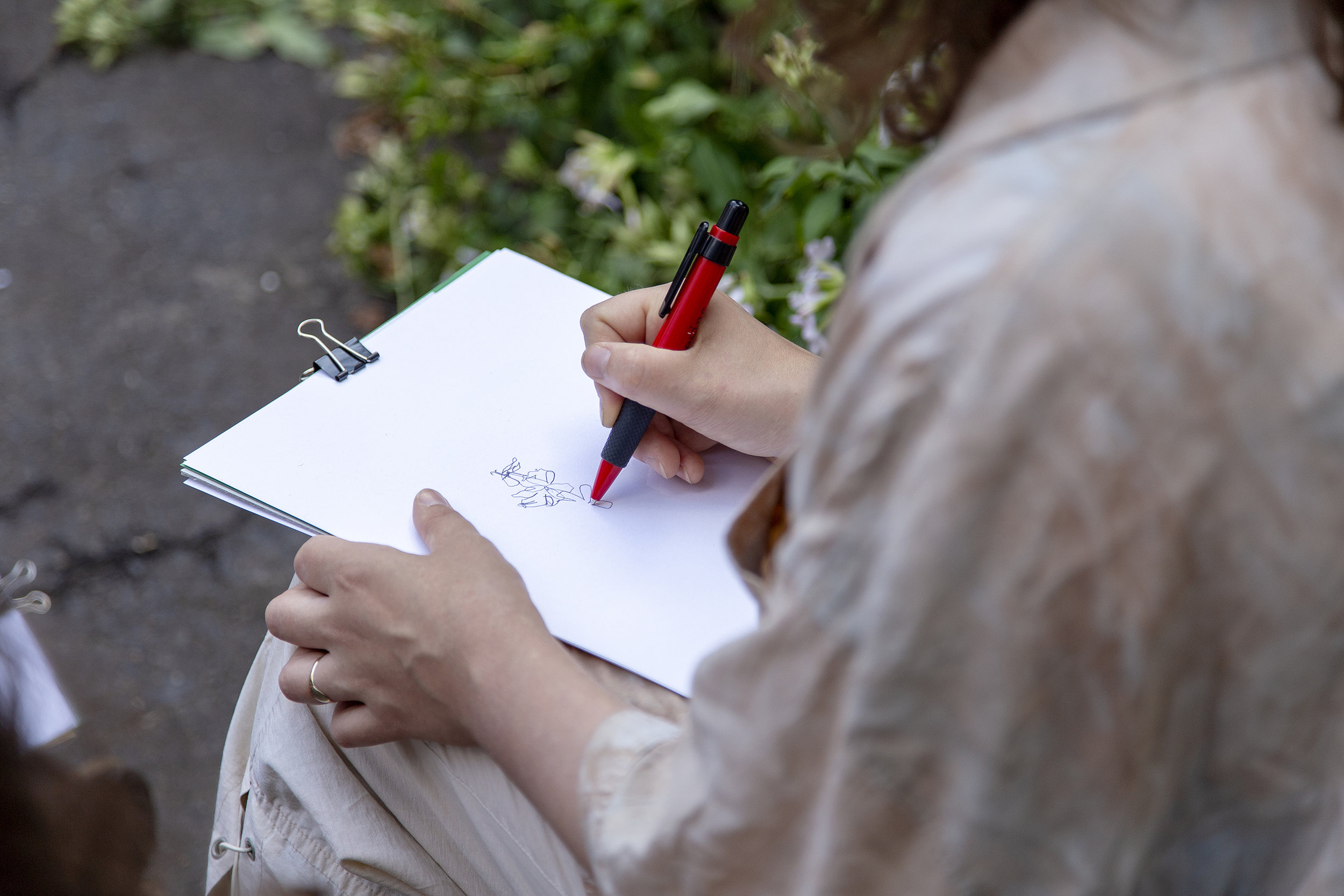Deep observation through drawing. Photography: Martina Della Valle