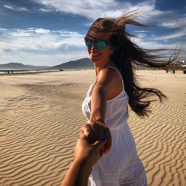 """When the """"wind"""" is my best hairdresser! . Summer holidays spent like this with @jexy_munoz .  #friendsgoals"""